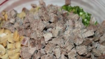 Вкусный салат из говядины - фото шаг 5