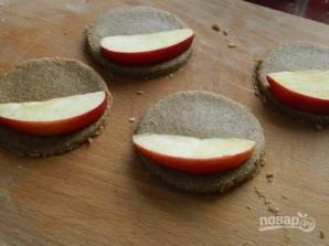 Печенье из гречнево-овсяной муки с яблоком - фото шаг 5