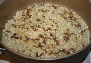 Лисички, жареные с рисом - фото шаг 6
