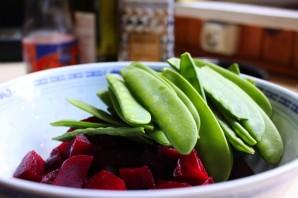 Простой салат из свеклы вареной - фото шаг 3
