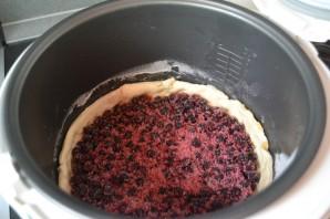 Пирог с черникой из слоеного бездрожжевого теста - фото шаг 6