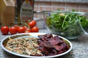 Салат из рукколы с кедровыми орешками - фото шаг 2