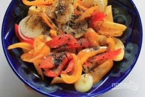 Скумбрия в духовке с картошкой - фото шаг 4