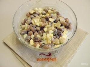 Салат с консервированной фасолью - фото шаг 5