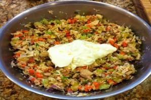 Простой салат с тунцом консервированным - фото шаг 5