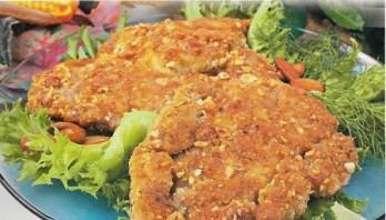 Мясо в панировке на сковороде - фото шаг 7