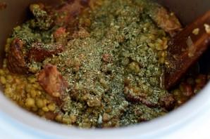 Говядина, тушенная с зеленым горохом - фото шаг 7