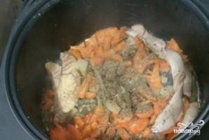 Рыба, тушенная с овощами в мультиварке - фото шаг 6