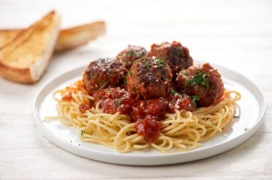 Спагетти с фрикадельками по-итальянски - фото шаг 6
