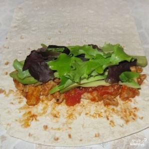 Буррито с мясом и авокадо - фото шаг 5