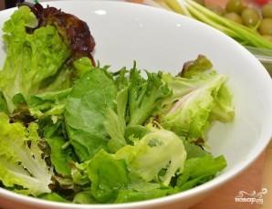 Греческий салат с сухариками - фото шаг 7