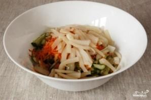 Салат с морской капустой и кальмарами - фото шаг 3