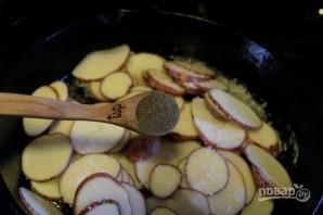 Жареная картошечка с луком - фото шаг 5