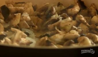 """Салат с сельдью и грибами """"Лисичка"""" - фото шаг 2"""
