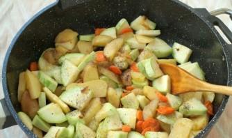 Овощное рагу с цветной капустой и картошкой - фото шаг 3