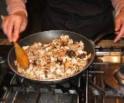 Запечённый картофель с грибами. - фото шаг 2
