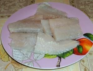 Рыба отварная с соусом польским - фото шаг 1