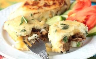 Картофельные зразы с сыром - фото шаг 7