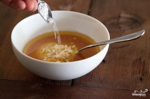 Салат из рисовой лебеды и запеченных помидоров - фото шаг 3
