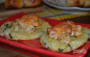 Картофельные ватрушки с курицей - фото шаг 9