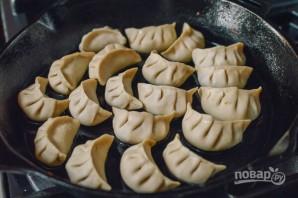Жаренные китайские пельмени - фото шаг 7