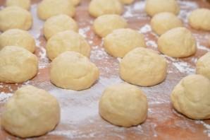 Сдобные пирожки с творогом - фото шаг 12