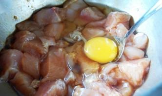 Курица с ананасами - фото шаг 2