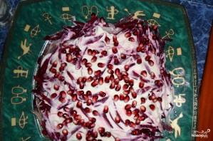 Салат из зеленого лука с гранатом - фото шаг 6