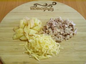 Слоеный салат с корейской морковью и курицей - фото шаг 2