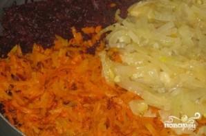 Тушеная свекла с морковью - фото шаг 2