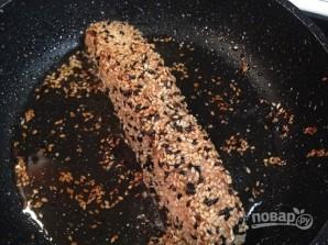 Лосось в кунжуте на сковороде - фото шаг 5