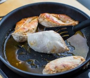 Курица в луковом соусе - фото шаг 3