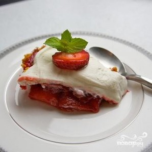 Клубничный пирог со взбитыми сливками - фото шаг 8