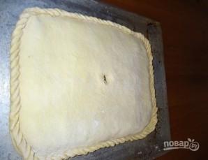 Пирог из пирожкового теста с консервой - фото шаг 7