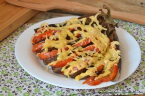 Баклажан, запеченный веером в духовке - фото шаг 6