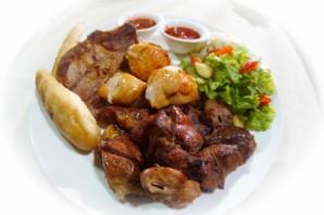 Мясное ассорти в духовке - фото шаг 5