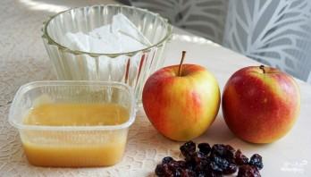 Печеные яблоки с творогом - фото шаг 1