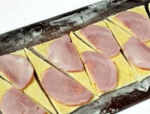 Круассаны с сыром и ветчиной - фото шаг 3