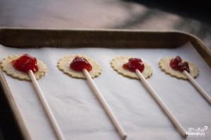 Мини-пирожки на палочке - фото шаг 3
