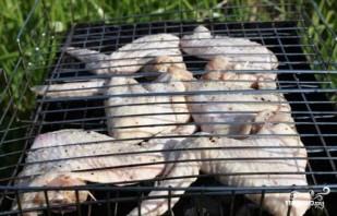 Куриные крылышки на мангале - фото шаг 4