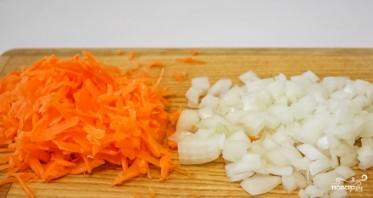 Сырный суп с сосиской - фото шаг 1