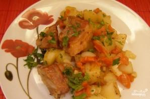 Свиные ребра, тушенные с картошкой - фото шаг 9
