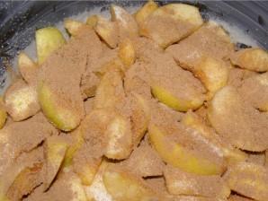Пирог с яблоками и корицей в мультиварке - фото шаг 2