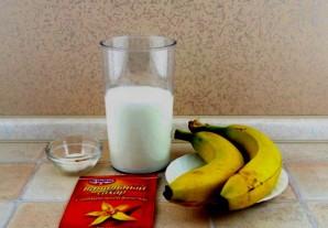 Ряженка с бананом - фото шаг 1