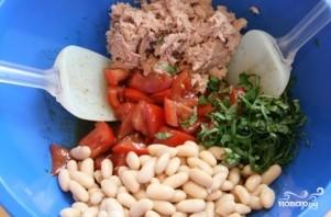 Салат с фасолью и тунцом - фото шаг 3