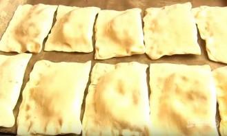 Пирожки из слоеного теста с печенью - фото шаг 6