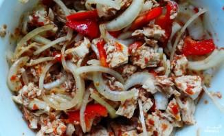 Куриный салат с перцем - фото шаг 5
