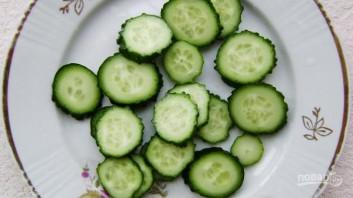 Салат из капусты и огурцов на зиму - фото шаг 2