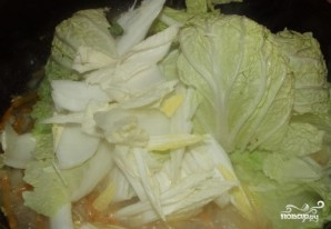 Капуста, тушенная в сливочном соусе - фото шаг 2