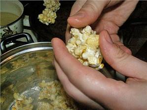 Попкорн на сковороде - фото шаг 5